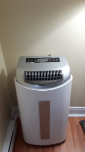 GREE 3 IN 1 PORTABLE AIR CONDITIONER,HEATER AND DEHUMIDIFIER