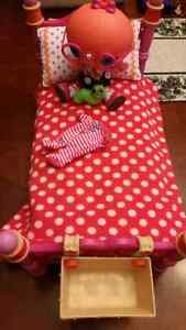 Lalaloopsy little and bed
