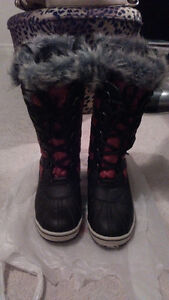 Red and Black Frontier North Boots
