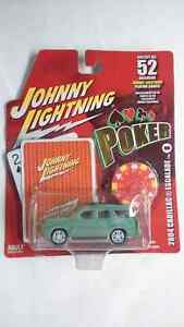 JOHNNY LIGHTNING WHITE LIGHTING 2004 CADILLAC ESCALADE DIECAST
