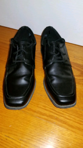 Boys Dress Shoes (Worn Once) Size 5