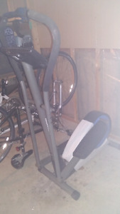Perfectly functional elliptical machine for sale