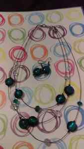 Necklace set. And other never worn jewellery