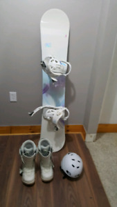 K2 Snowboard with binding w/ K2 Woman snow boots size 9
