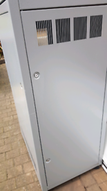 Computer server unit approx 160cm x 50