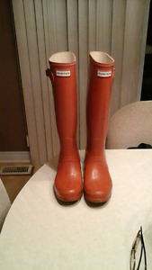 Hunter boots size 8.5