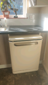 Cream dishwasher full size 600mm free to collector SOLD
