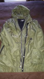 Manteau de maternité de printemps ou automne comme neuf
