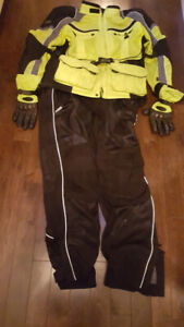 Motorcycle gear - nearly new full suit