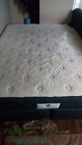 Posturepedic Queen Mattress. Pillow Top Firm & Split Boxspring.