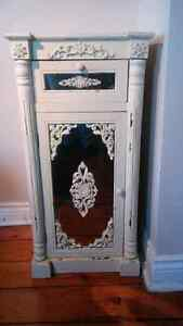 Amer Eagle Outfitters vintage distressed style mirrored cabinet