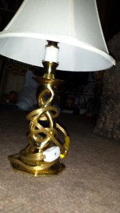 15 INCH TALL TABLE LAMP