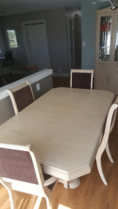 Kichen Table And China Cabinet
