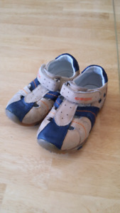 Geox size 8 toddler closed toe sandals