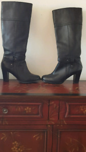 Like new! Genuine Leather Ladies boots size 6