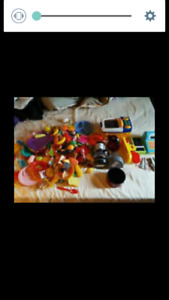 PLAY FOOD AND ACCESSORIES LOT