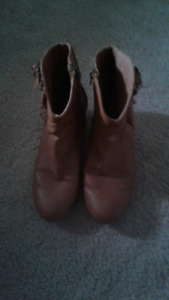 Womens Ankle Height Western Boots Size 9