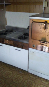 Chambers gas stove and oven