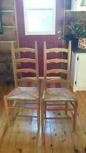 2 Antique chairs Cornwall Ontario image 1