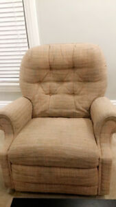FREE lazy boy recliner - getting new furniture!