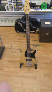 BELLE BASS IBANEZ ATK NATURAL COMME NEUF