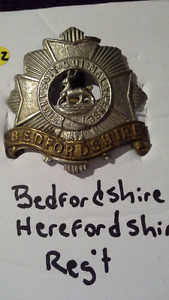 Authentic World War I cap badge Bedfordshire Regiment 1881-1920s