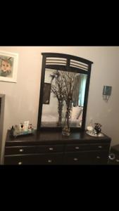 Bedroom set.. Queen