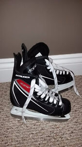 Like New Size 2 CCM Hockey Skate
