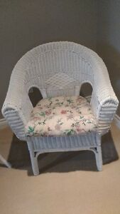 white wicker chair and table
