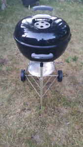 "18"" Weber Kettle Charcaol Grill including cover"