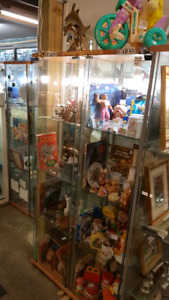 Selling Vintage & Retro Toys/Collectibles!
