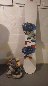 Planche à neige Burton avec bottes
