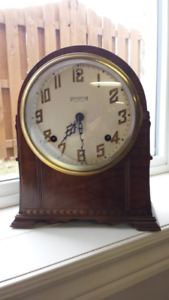 VINTAGE INGRAHAM MANTEL EIGHT DAY CLOCK