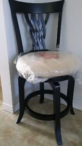 NEW IN BOX BAR STOOL