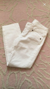 Women's True Religion ankle length jeans size 27