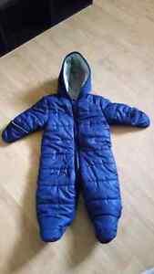 Infant snowsuit sz 3-6 mo