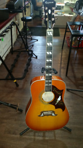 Epiphone Dove Pro acoustic/electric guitar