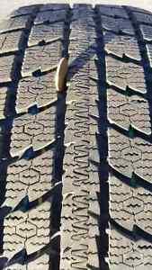 4 pneus d'hiver toyo  sur mag Saguenay Saguenay-Lac-Saint-Jean image 1