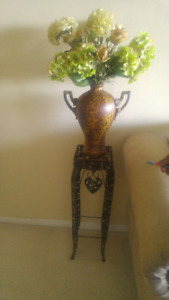 Vase with Hydrangea Flower Arrangement Plus 2 Stands