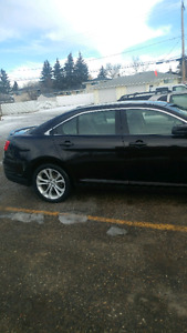 2014 ford taurus AWD