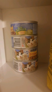 Free Cat food ( Pickup only)