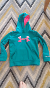 Youth medium underarmour hoody