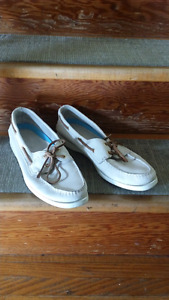 Ladies Sperry brand shoes