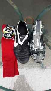 Nike Tiempo Soccer Shoes U.S. Size 8 Youth