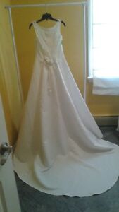 BRIDAL ORIGINAL SIZE 8 / 10 NOW $50