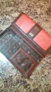 Roots Wallet Stratford Kitchener Area image 1
