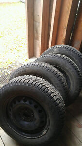 Snow tires 195/65r 15 will bolt on two volkswaygon Jetta