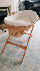 Mosses basket, Mamas&Papas stand