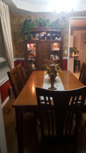 Dinning set and Hutch