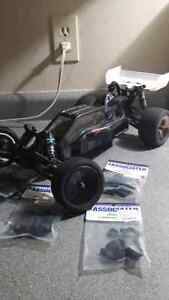 Rc mint b5m with spares roller like new